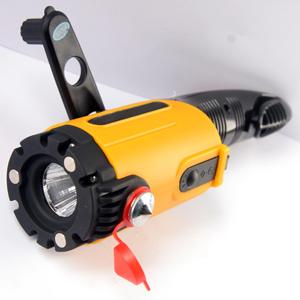 EVOLVE Car Light (multifunkční svítilna do auta, ruční dobíjení, dobíječka pro mobily NOKIA)