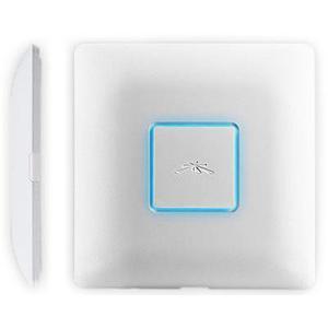 Ubiquiti UniFi Access Point AC vnitřní, 2.4GHz/5GHz 450Mbps+1300Mbps, 3x3 MIMO