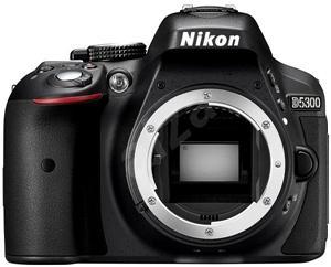 Nikon D5300 + Objektiv 18-105 AF-S VR